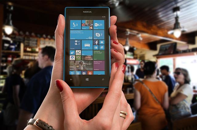 1634349585-sklepy-ze-smartphonami.jpg
